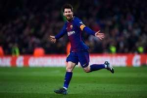 Lionel Messi Barselona forması ile gol sevinci yaşarken
